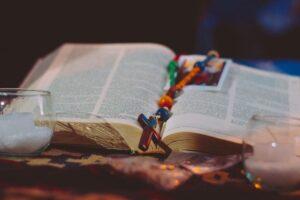 Imagen principal del curso online «Curso troncal de estudio bíblico», del ámbito de «Oración y liturgia» de la Escuela Diocesana de Evangelizadores.
